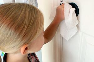 Как правильно ухаживать за дверями